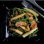 Spicy chicken salat med grønne bønner
