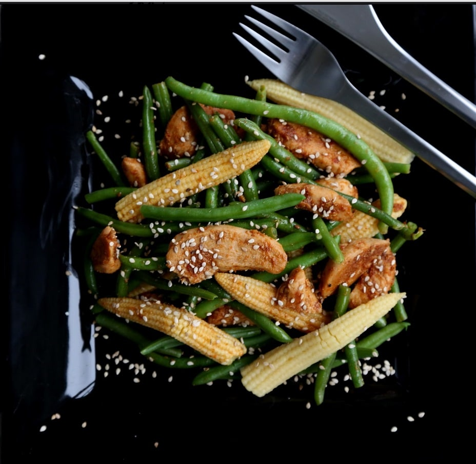 salat med grønne bønner og kylling