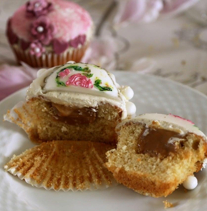 festlige cupcakes, vanilje frosting