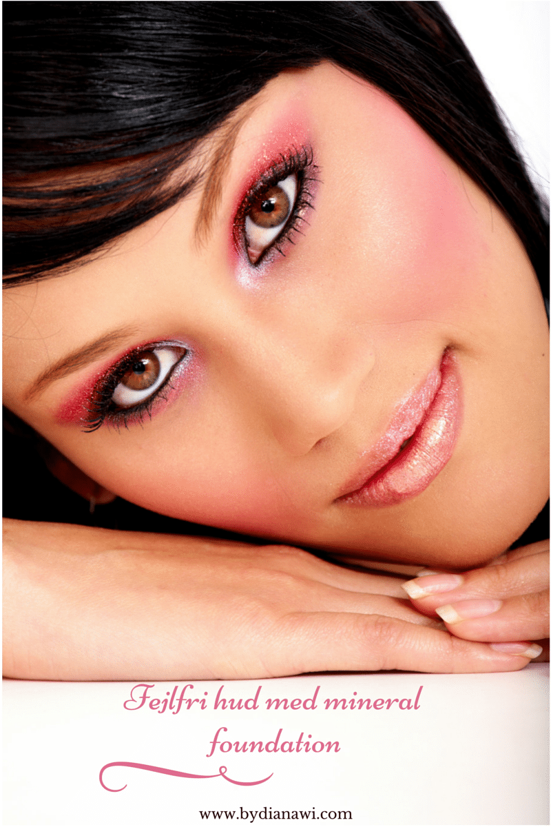 Om fejlfri hud med mineral foundation. Youngblood´s farvekort og anmeldelse.
