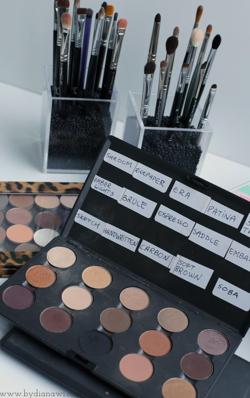 sådan organiserer jeg mine makeup børster, belugalinser