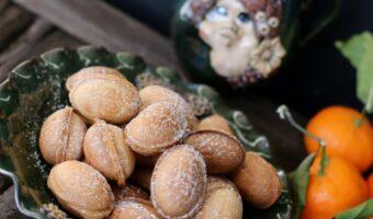 Valnødde cookies Oreshki med karameliseret Dulce de Leche og pekannød
