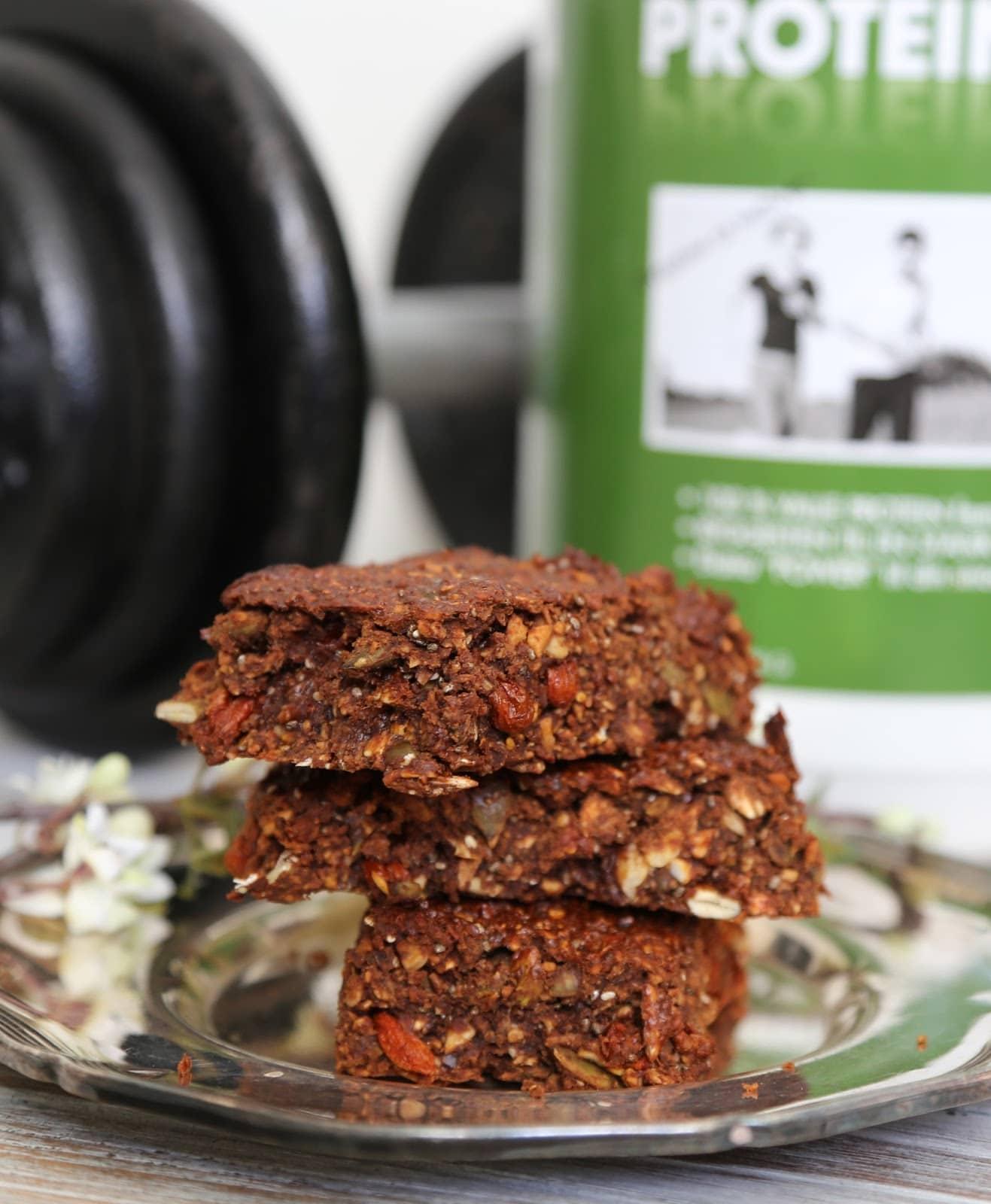 hjemmelavet proteinbar, sund mellemmåltid