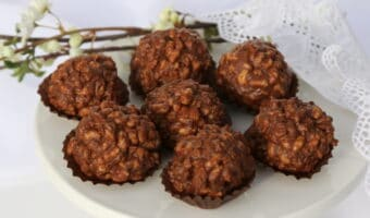 """Hjemmelavet """"Ferrero Rocher"""" chokolade"""