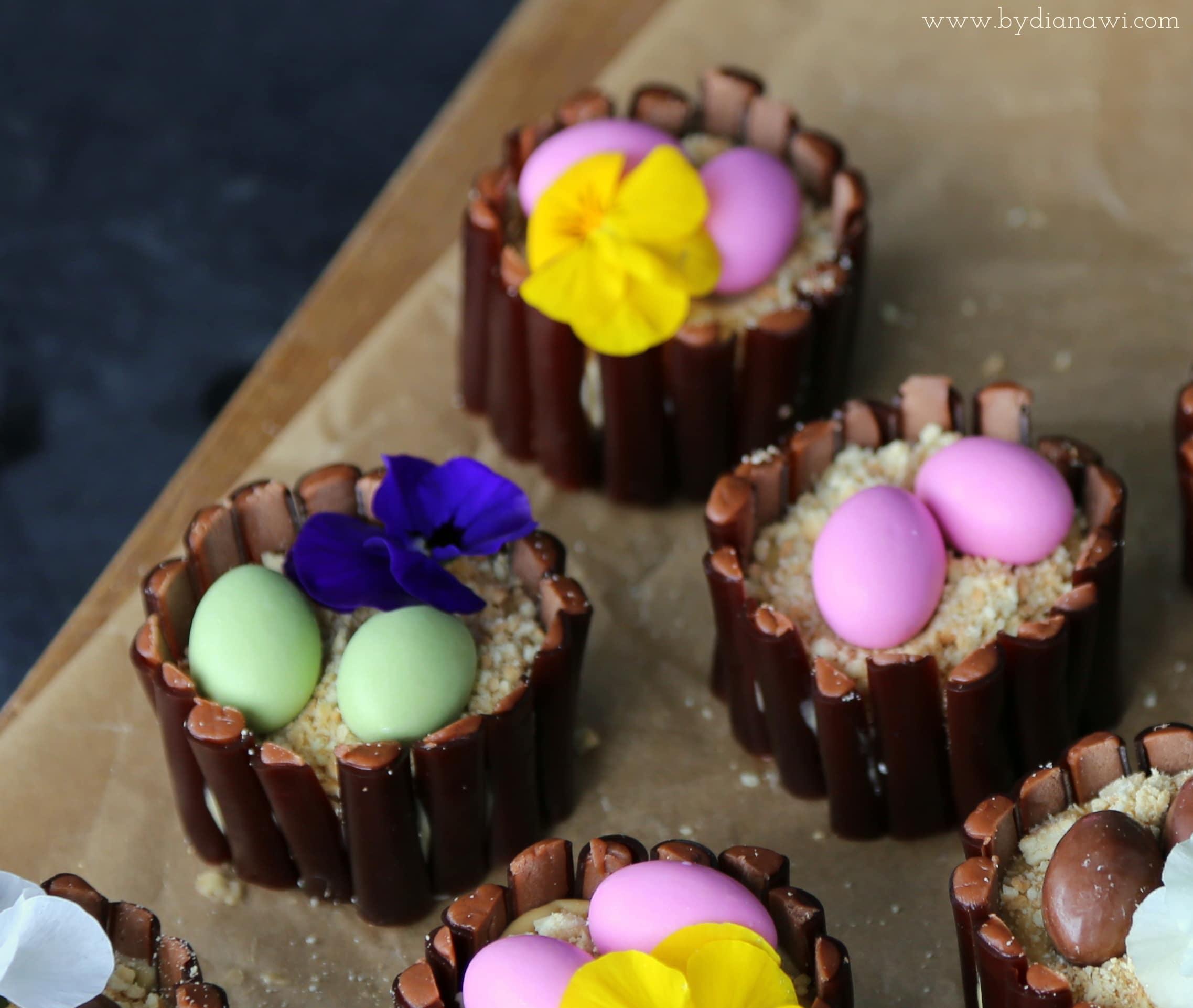 Påskemuffins med chokolade og karamelcreme