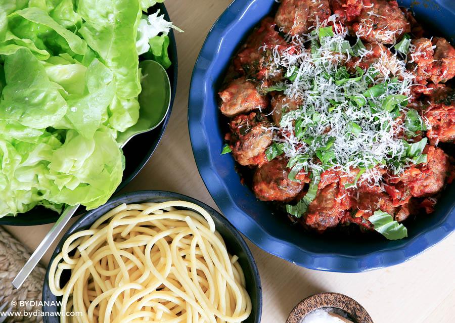 italienske kødboller opskrift, sommersalat