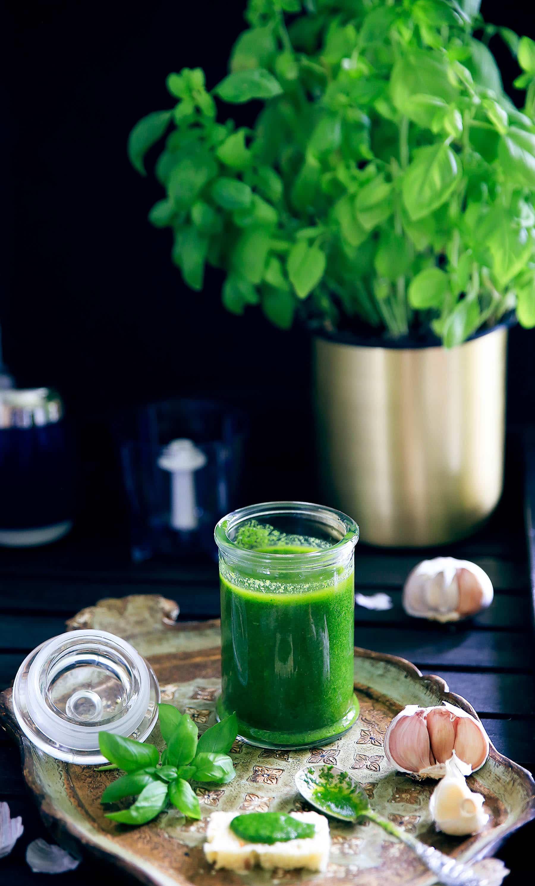 Basilikumolie - perfekt til tapas, suppe og hjemmelavede croutoner