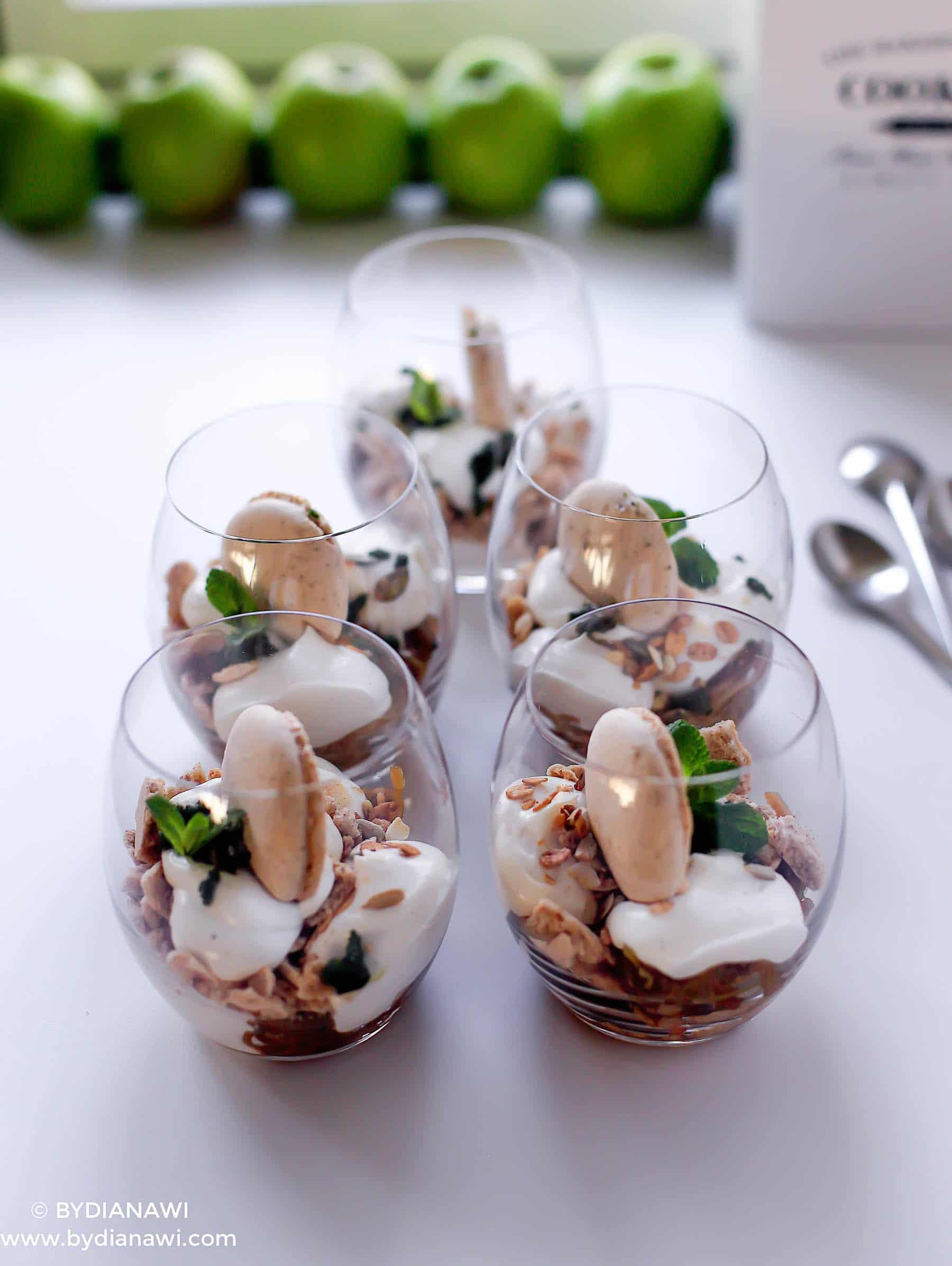 sund dessert, ricotta, sund æblekage, makroner, myntesukker