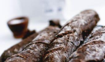Rustikke langtidshævede flutes med knas og skorpe