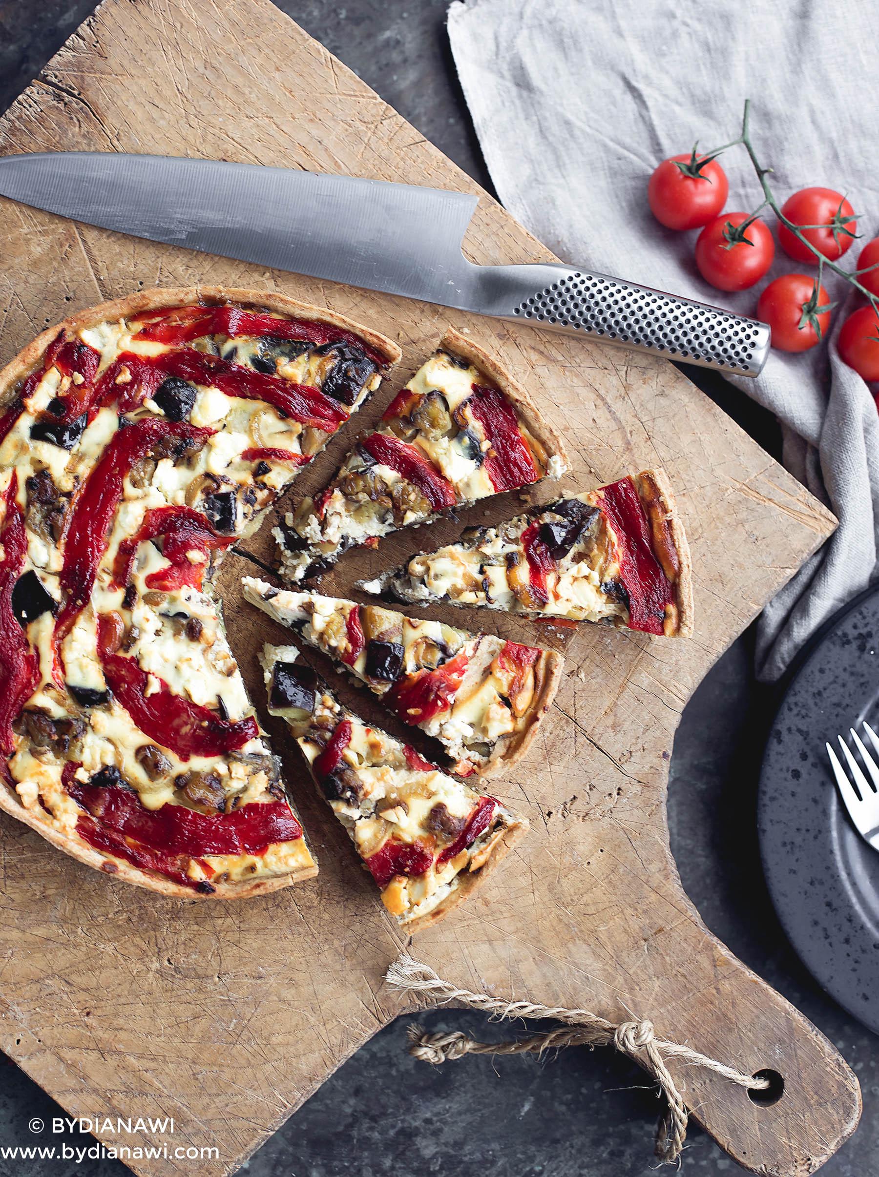 Auberginetærte med ricotta, grillet peberfrugt og hvidløg