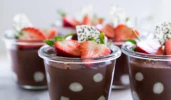 Sund dessert eller mellemmåltid med skyr og nutella