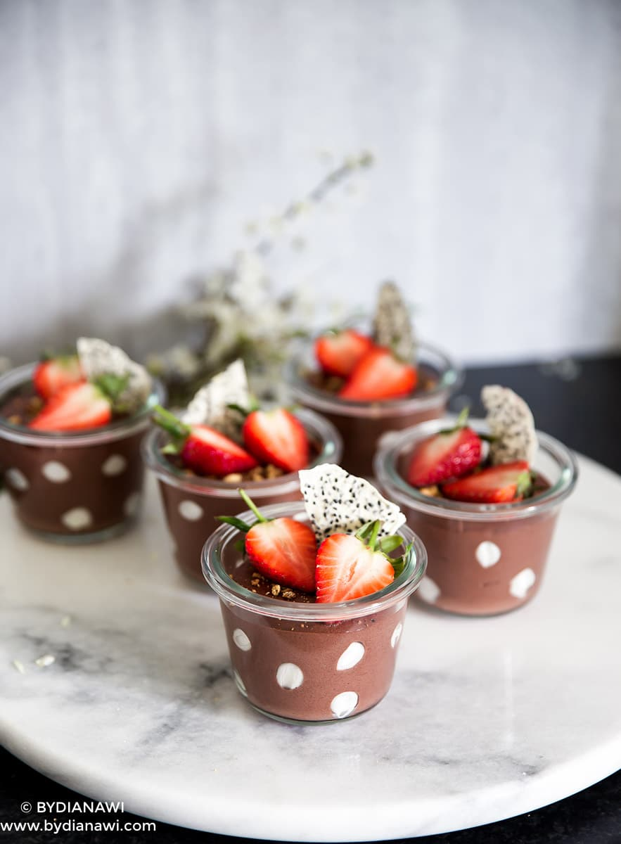 sund mellemmåltid, sund dessert med skyr, nutella