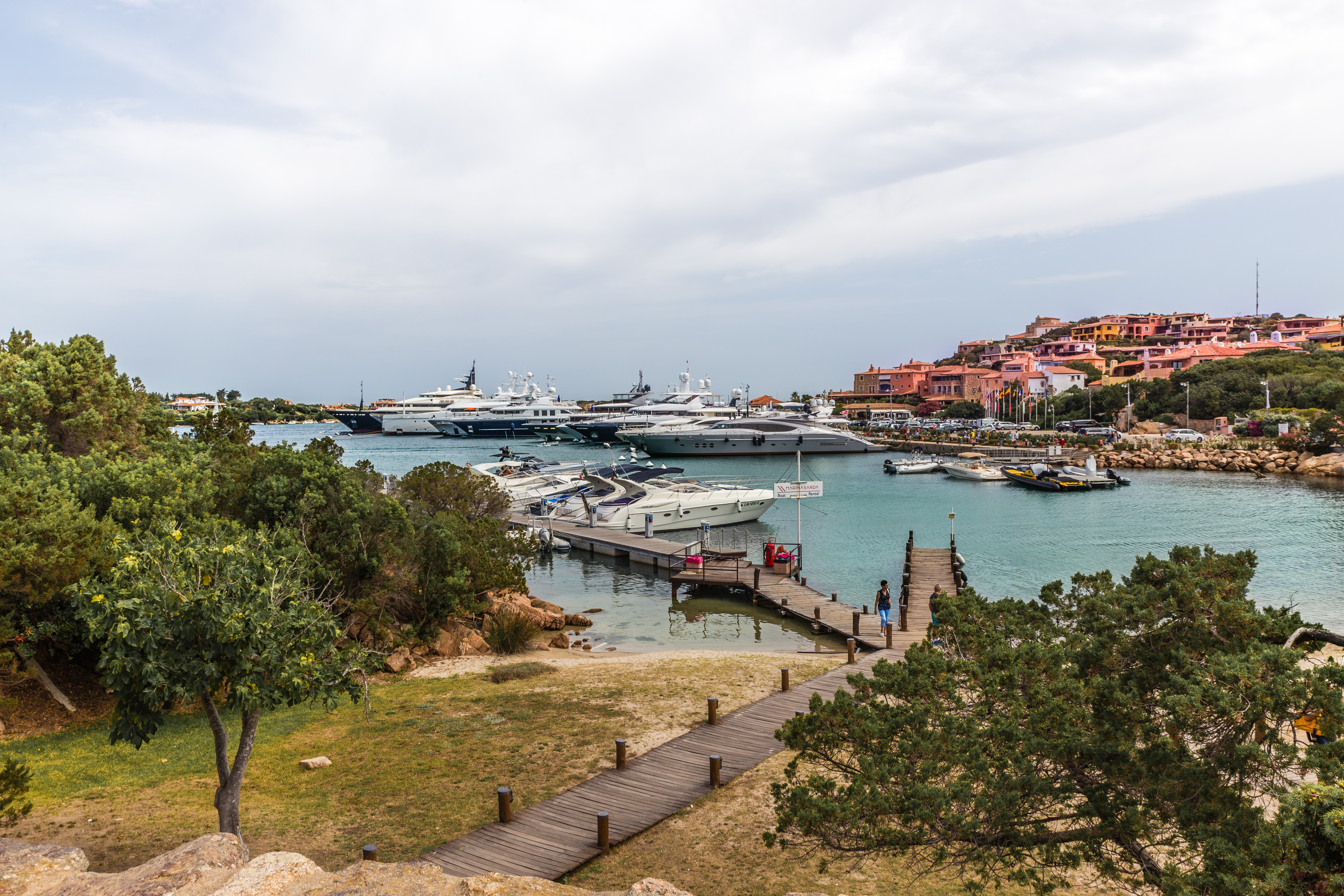 porto cervo, ferie på sardinien, italien, costa smeralda