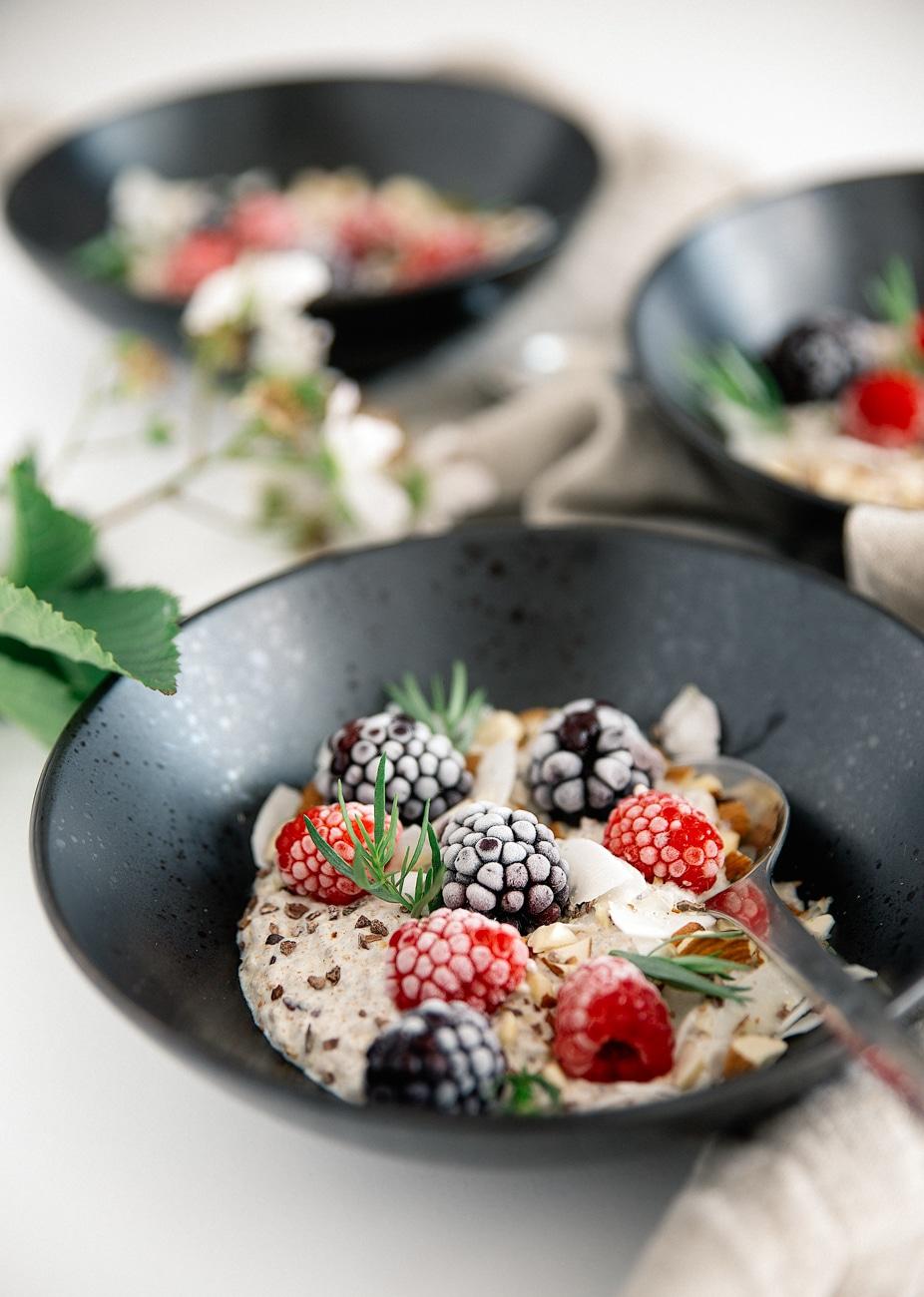 overnight chiagrød, køleskabsgrød, sund morgenmad, chiafrø