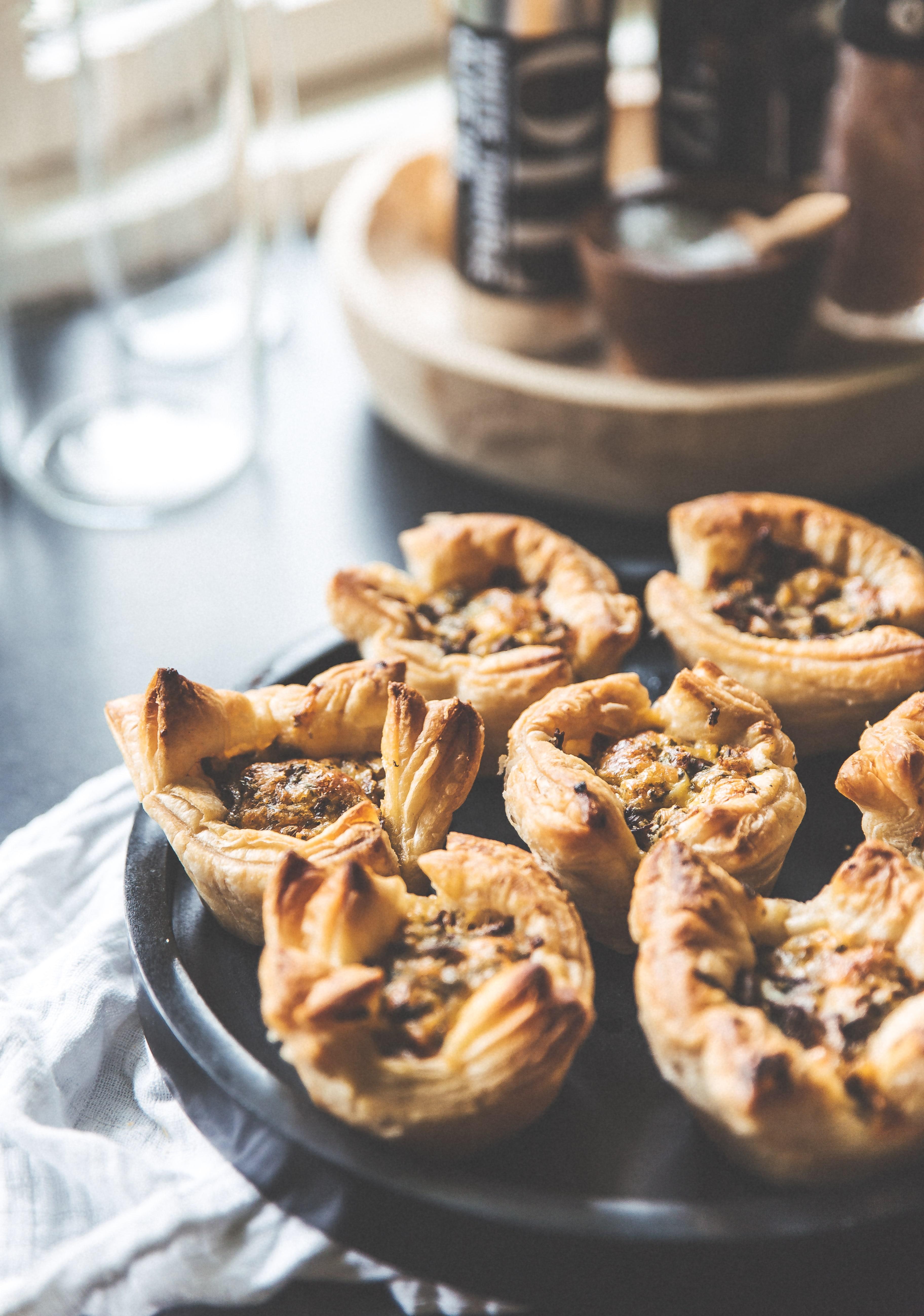 kantareller, butterdejs muffins, ost, små hapsere