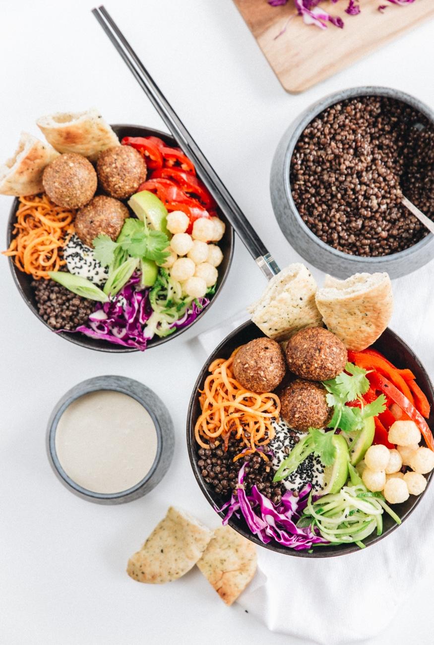 falafler opskrift, buddha bowl, salat skål