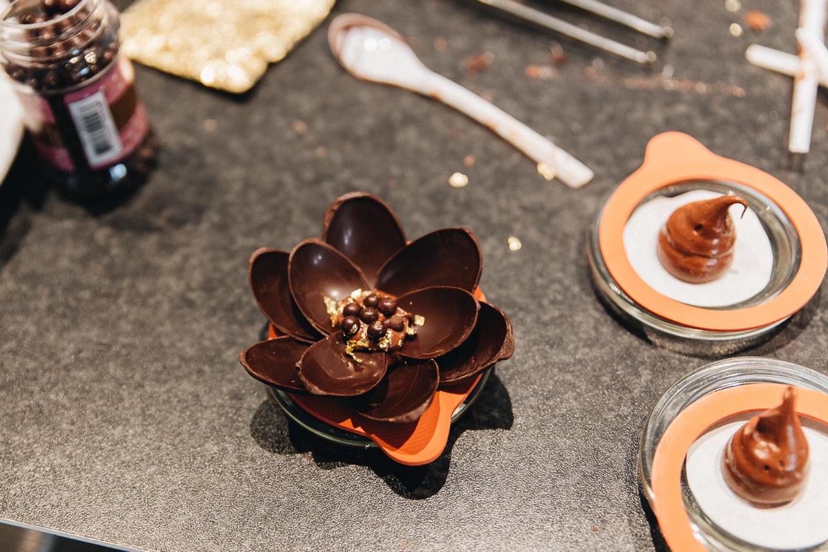 mælkesnitte kage, chokolade blomster opskrift