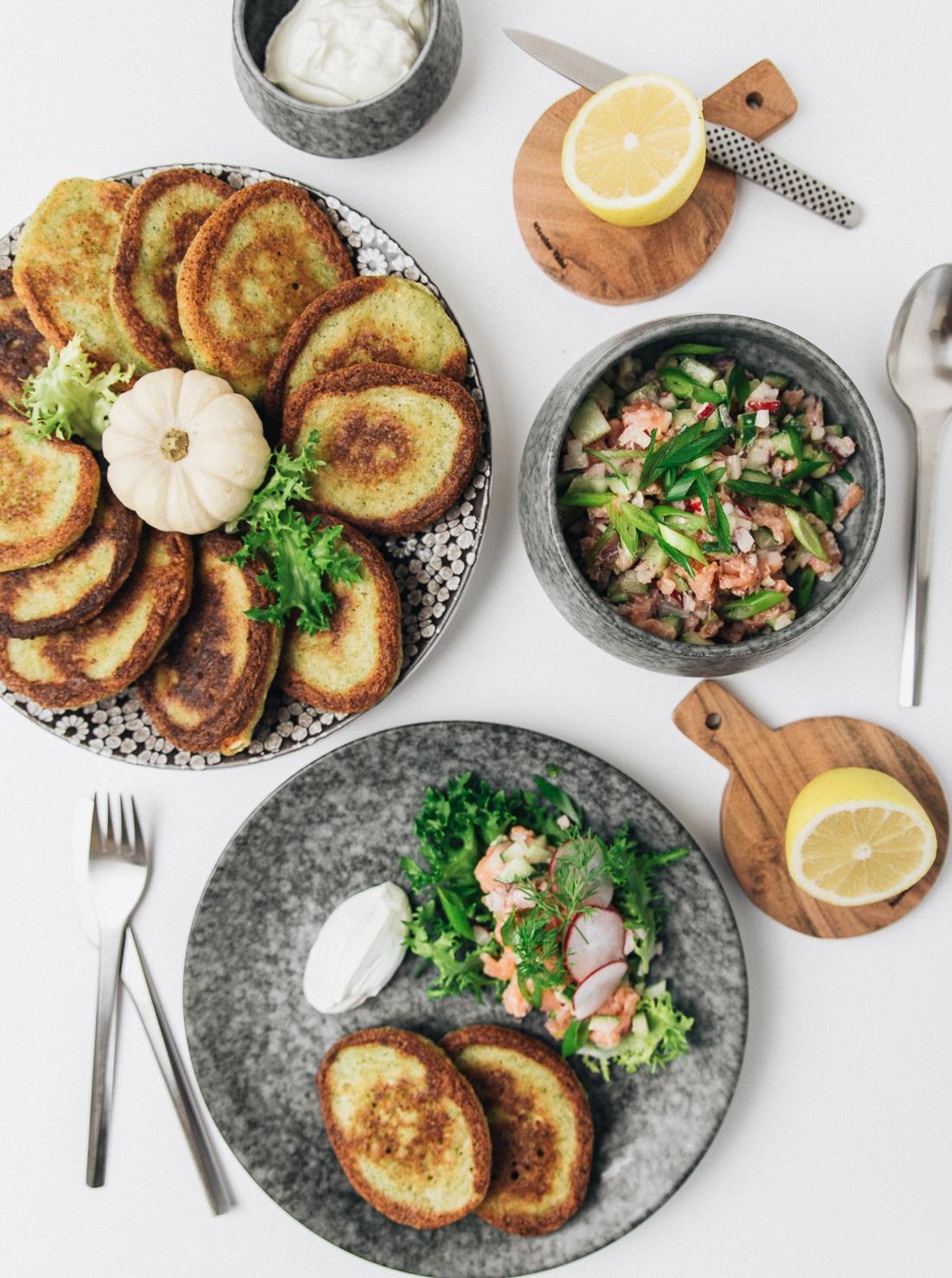 broccoli blinis med laksetatar, forret nytårsaften