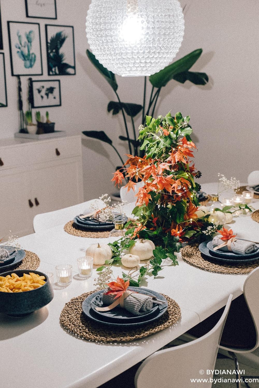 borddækning efterår, ideer til bordpynt, japansk ahorn