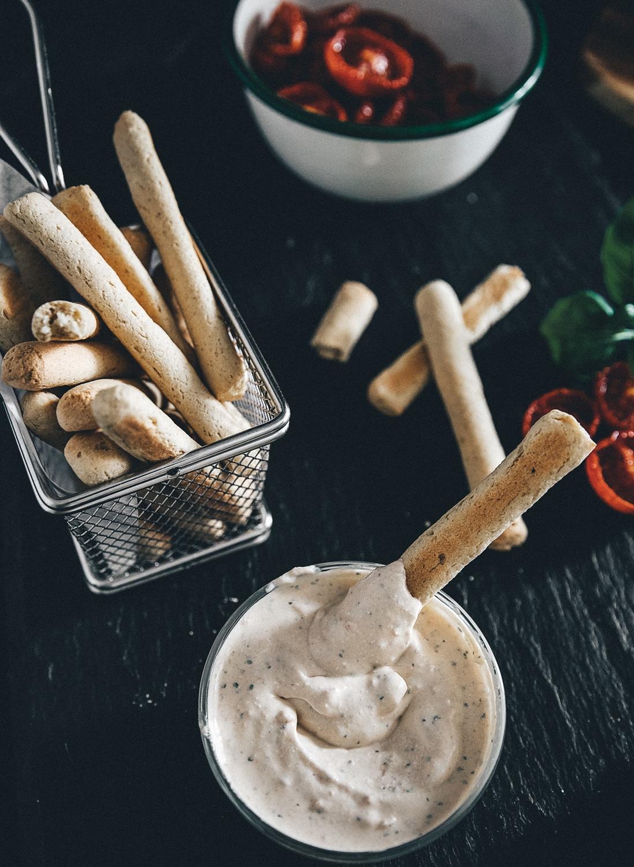 opskrift på sunde butterbeans fritter, sunde fritter, bønnefritter, fetadip, sunde snacks