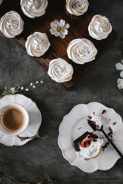 brownies, brownie muffins, kager, italiensk marengs, jordbærkompot