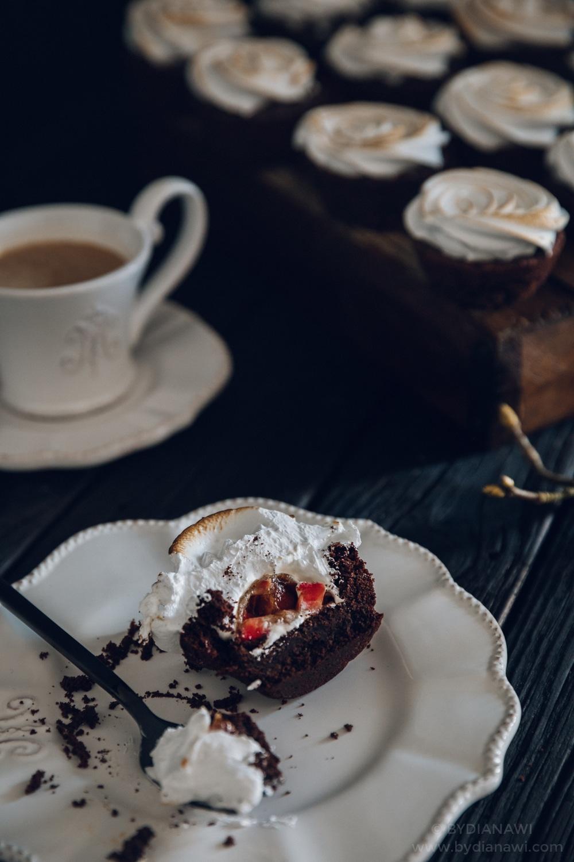 brownies, brownie muffins, italiensk marengs, jordbærkompot